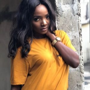 Simi's Right B**bs is observed to be bigger than the other (Fans Reacts)