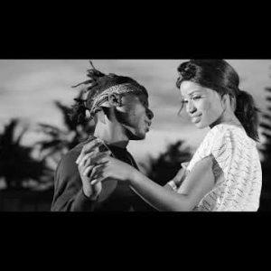 [Video] DJ Derekz ft. Flavour & Phyno – By My Side