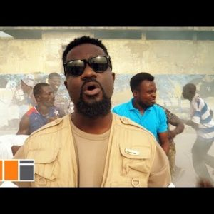 [Video] Sarkodie ft. Toyboi, Tulenkey, Kofi Mole, Frequency, Yeyo, Lyrical JoelJ, Amerado, 2fyngers, Obkay, CJ Biggerman – BiiBi Ba