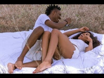 [Video] Efe – Far Away
